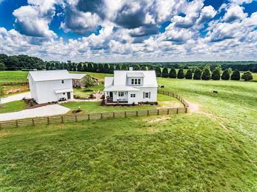 Newly Built Traditional Farm House : Monroe : Walton County : Georgia