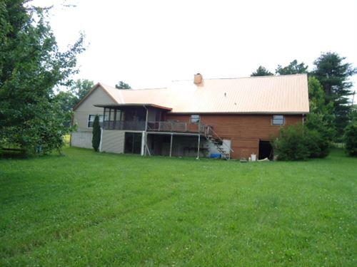 Beautiful 2 Story Log Home With 4.7 : Crossville : Cumberland County : Tennessee