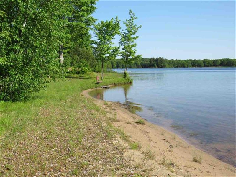 6590 Crescent Beach Rd 1103623 : Twin Lakes : Houghton County : Michigan