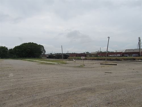 Sale Or Lease With Railroad Spur : Madill : Marshall County : Oklahoma
