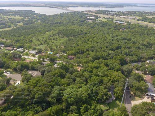 Residential Neighborhood : Woodway : McLennan County : Texas