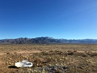 10 Acres Plus Abandoned Mobile Home : Kingman : Mohave County : Arizona