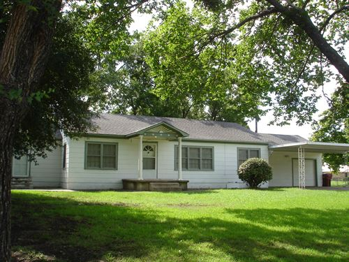 Home, Acreage, Horse Barn, For Sale : Clarksville : Red River County : Texas