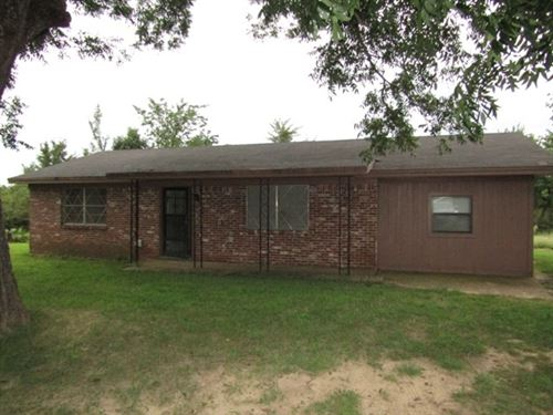 Cute Home With Acreage : Hugo : Choctaw County : Oklahoma