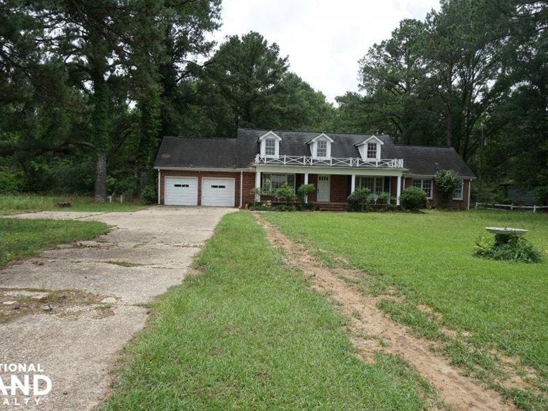 Moundville Home And Acreage : Moundville : Hale County : Alabama