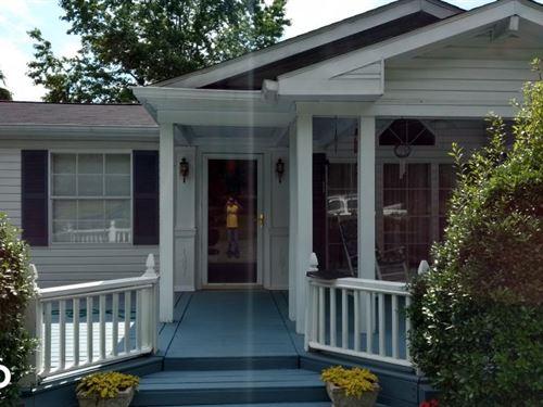 Manns Chapel Road : Pittsboro : Chatham County : North Carolina