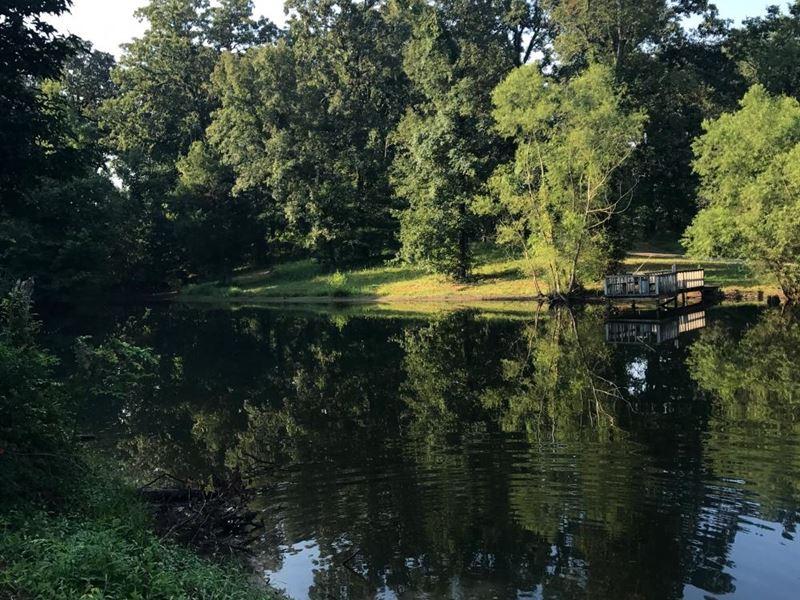 Fairview 18 Acre Estate : Byhalia : Desoto County : Mississippi