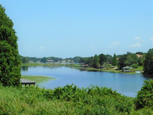 .56 Acres Lakefront Land Or Sale : Winter Haven : Polk County : Florida