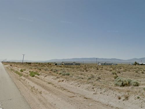 Easy Access To Everything : Rosamond : Kern County : California