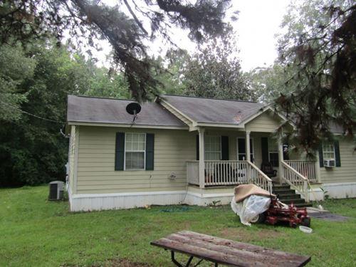 4 Bedroom 2 Bath Home On 3+/- Acres : Ellisville : Jones County : Mississippi