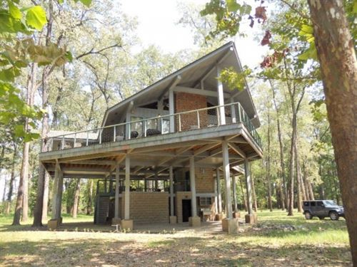 Lakehouse On 2.6 Acres For Sale : Woodville : Wilkinson County : Mississippi