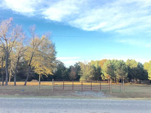 Well Maintained Lot : Mt. Vernon : Faulkner County : Arkansas