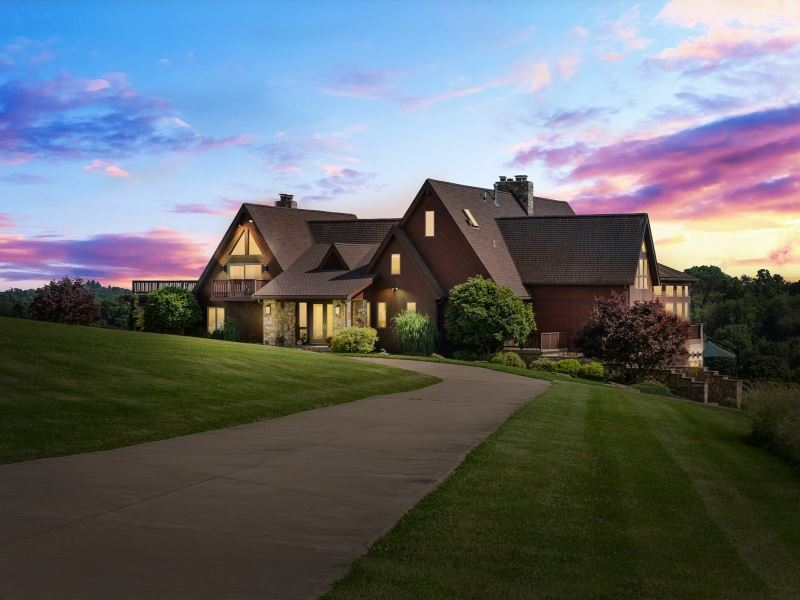 Luxury West Virginia Estate : Wheeling : Marshall County : West Virginia