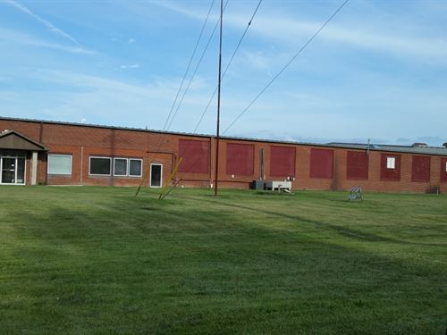 100,000+/-Sf Industrial Bldg. : Du Quoin : Perry County : Illinois