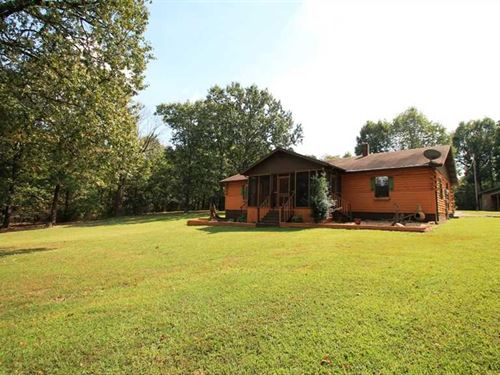 Charming Rustic Home on 3 Acres Fo : Poplar Bluff : Butler County : Missouri