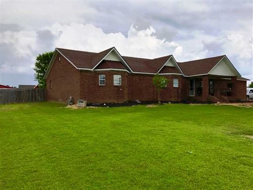 Home on 6 Acres For Sale in Dunkli : Kennett : Dunklin County : Missouri