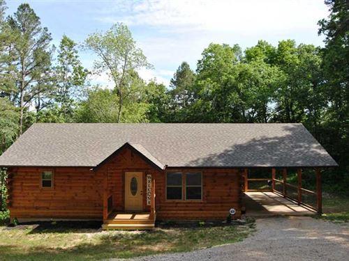 Custom Built Log Home on 1.23 Acre : Van Buren : Carter County : Missouri