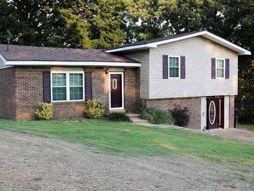Subdivision Home For Sale in Popla : Poplar Bluff : Butler County : Missouri