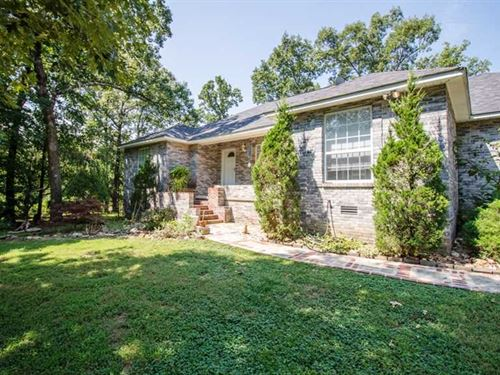 Large Home on 3.23 Acres For Sale : Poplar Bluff : Butler County : Missouri