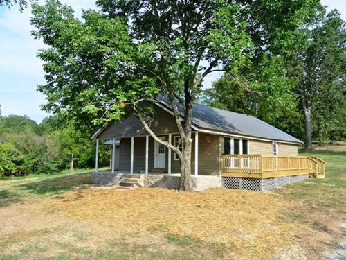 Home on 3.5 Acres For Sale in Butl : Poplar Bluff : Butler County : Missouri