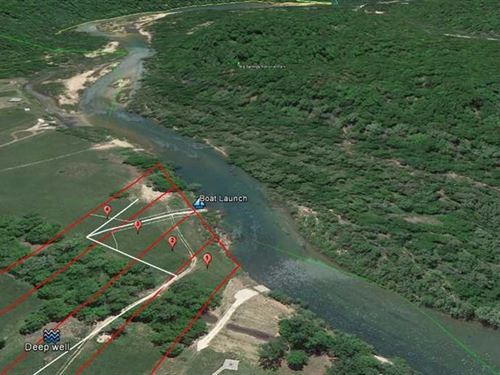 Riverfront Land For Sale on Curren : Van Buren : Carter County : Missouri