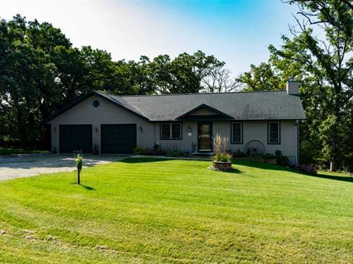 Perfect Home on The Perfect 20 Acr : Markesan : Green Lake County : Wisconsin