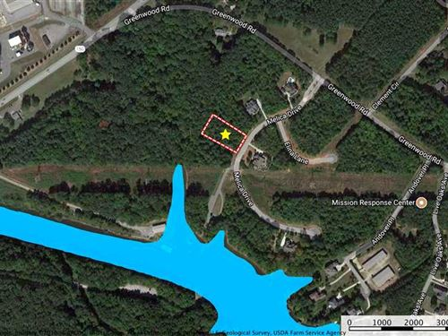 .70 Ac Lot in Gated Subdivision : Terrell : Catawba County : North Carolina