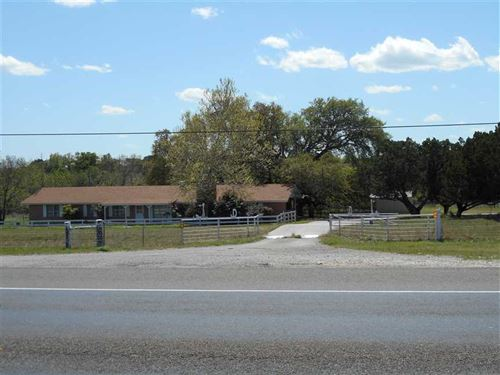 House With Acreage For Sale in Lam : Lampasas : Texas