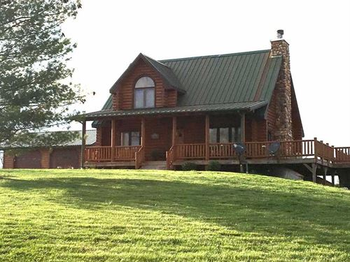 Beautiful Log Home And 97 Acres Si : Pattonsburg : Gentry County : Missouri
