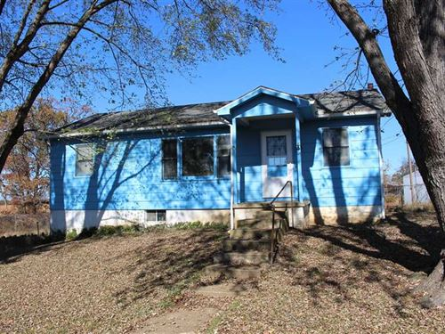 Promising 4.4 Acre Country Homeste : Climax Springs : Camden County : Missouri