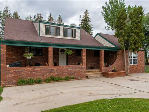 Four Bedroom, Three Bath Home on 4 : Ralston : Park County : Wyoming