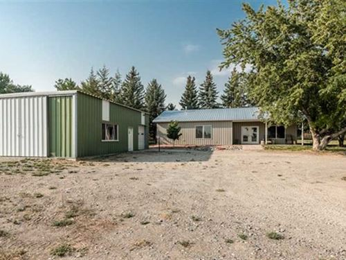 Three Bedroom, Two Bath Home on 14 : Powell : Park County : Wyoming