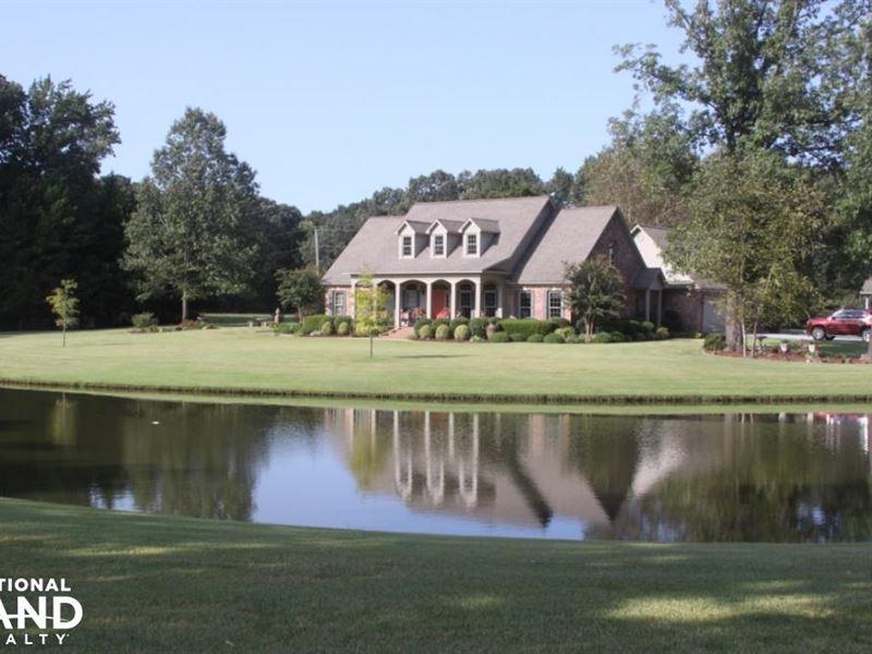 Custom built home on 33 pristine ac land for sale for Custom built homes arkansas