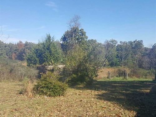 45 Acres With 2 Small Cabins : Clinton : Van Buren County : Arkansas
