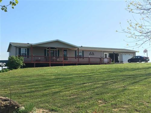 Home With Barn And Smaller Acreage : Iberia : Miller County : Missouri