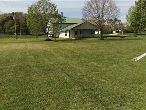 Custom Built Home on 1.67 Acres ju : Eminence : Shannon County : Missouri
