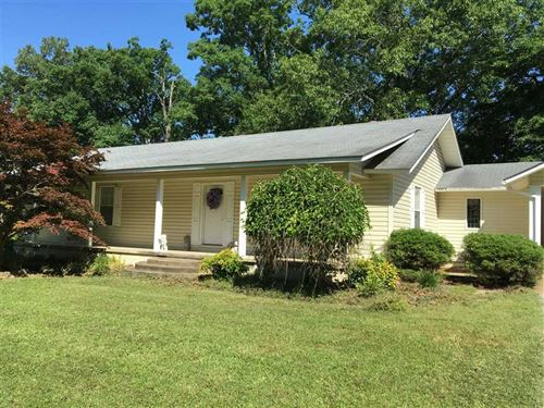 Spacious Home on 3.6 Acres With : Batesville : Independence County : Arkansas