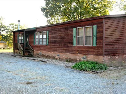 Hunting Cabin With Large Lot And : Holly Grove : Monroe County : Arkansas