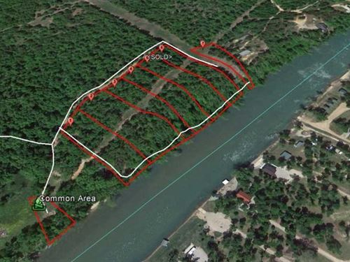 Current River Frontage For Sale in : Doniphan : Ripley County : Missouri