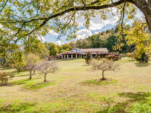 Unique Contemporary On 6 Acres : Hampshire : Maury County : Tennessee