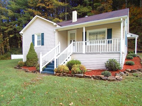 Cottage With Long Creek Frontage : Hillsville : Carroll County : Virginia