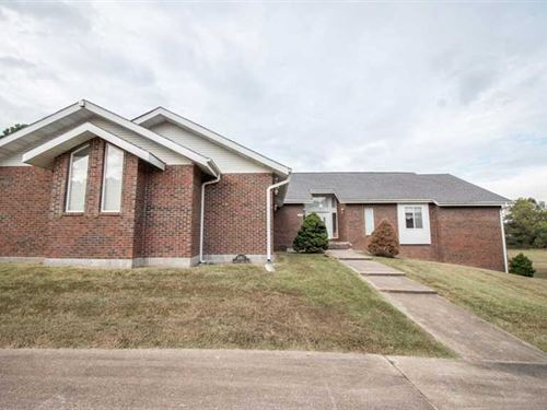 Large Residential Home on 6.25 Acr : Poplar Bluff : Butler County : Missouri