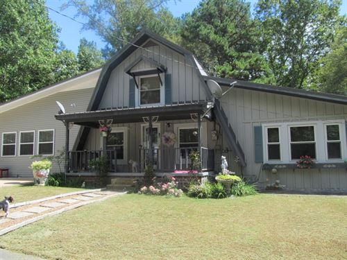 Spacious Home On 7 Wooded Acres : Hohenwald : Lewis County : Tennessee