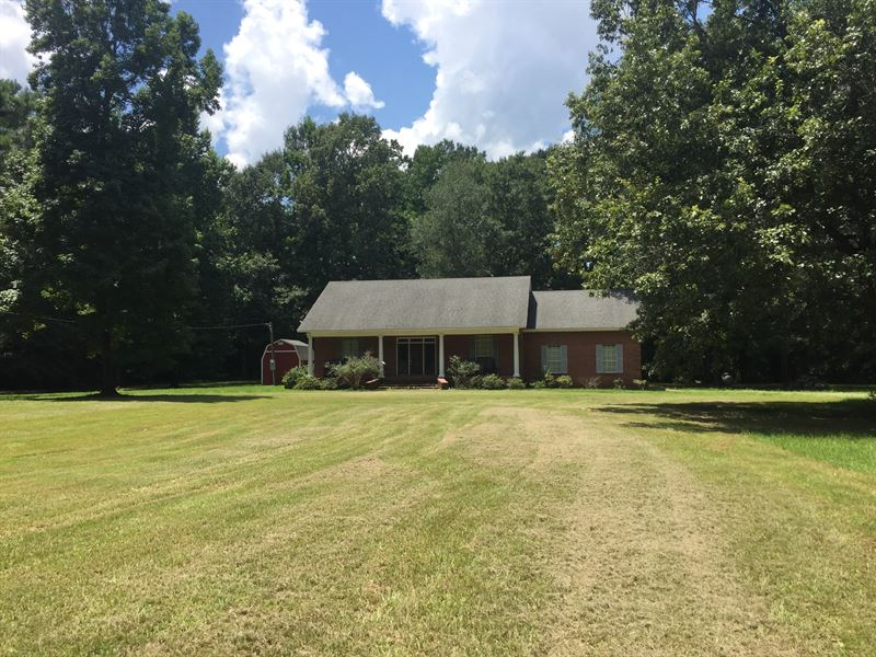 Beautiful Home And 49 Acres : Church Hill : Jefferson County : Mississippi