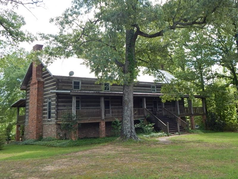 Secluded Log Cabin On 40 Acres : Land for Sale : Liberty : Amite