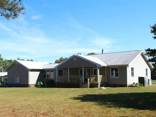 Country Home On 6.5 Acres : Courtland : Southampton County : Virginia