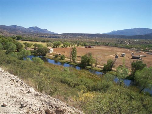 Beautiful Farm With Pond And Views : Camp Verde : Yavapai County : Arizona