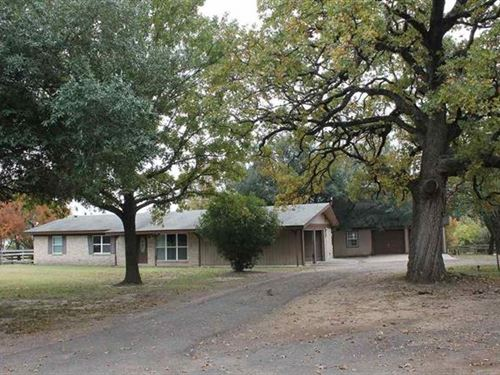 Home With Three Acres : Paris : Lamar County : Texas
