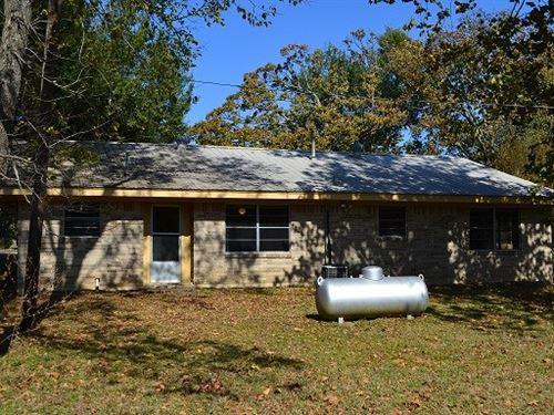 Home With Land : Paris : Lamar County : Texas