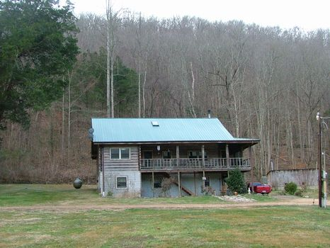 77 Acres with Log Cabin : Estill Fork : Jackson County : Alabama
